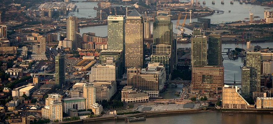canary wharf london skyline