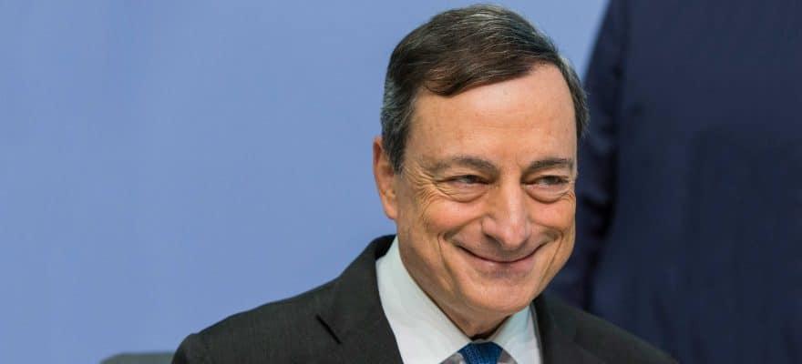 Draghi studia la blockchain e sul bitcoin dice: non è la Bce a dover scrivere le regole