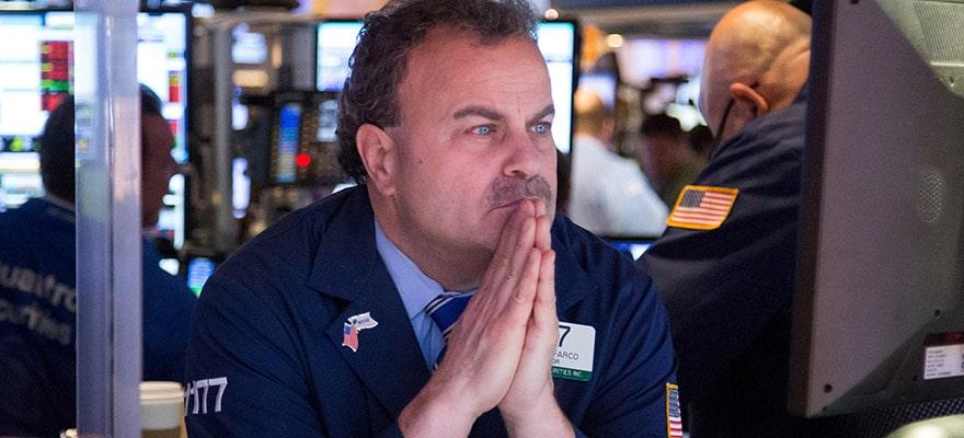 NASDAQ Set Up for Steep Break, Investors Eyeing Apple Earnings, Fed and BOJ