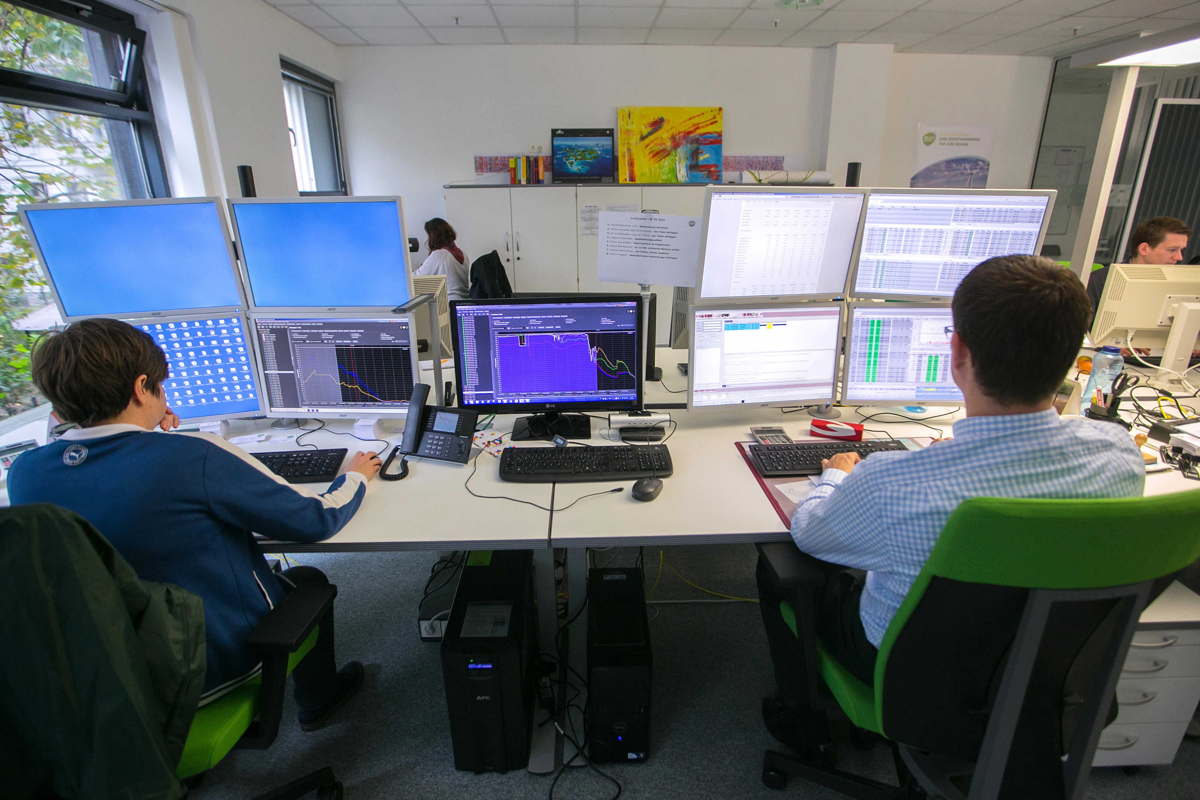 Bloomberg unveils fx option trading technology