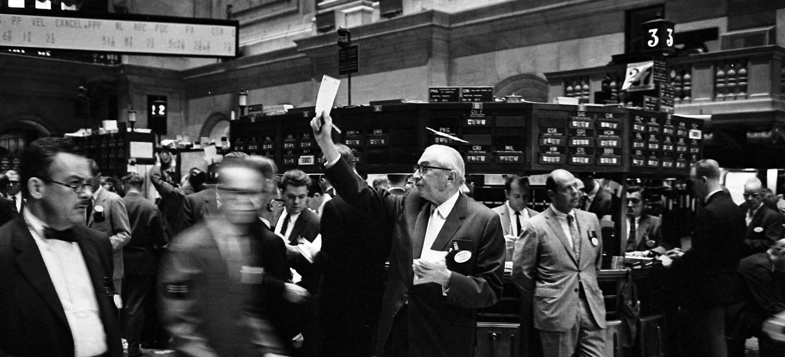 Analysis: ICOs vs. Good Old IPOs – Investor's Guide