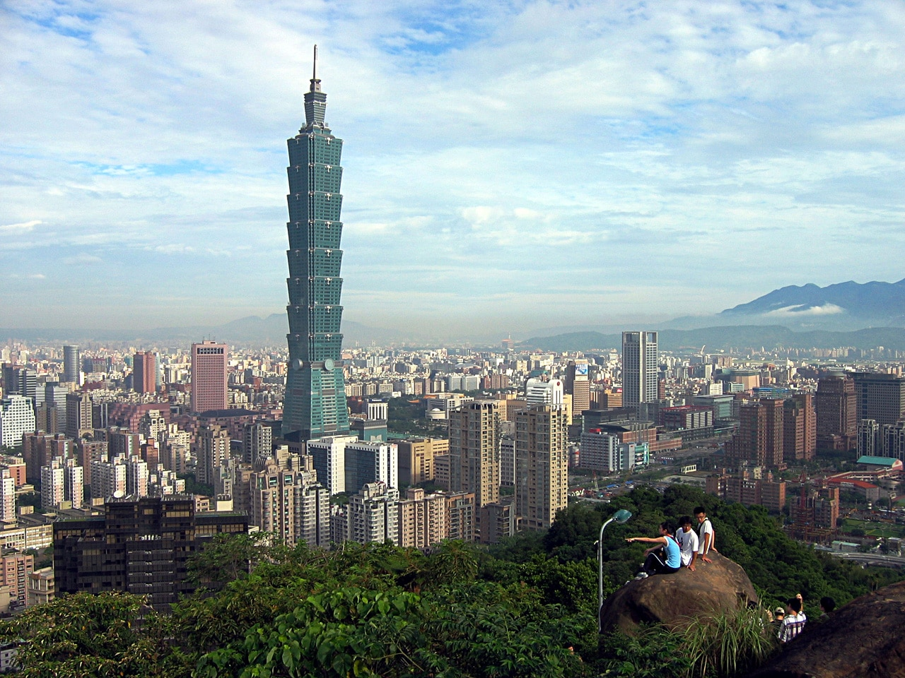 Taiwan Central Bank Relaxes Rules for Securities Brokers to Handle FX Products