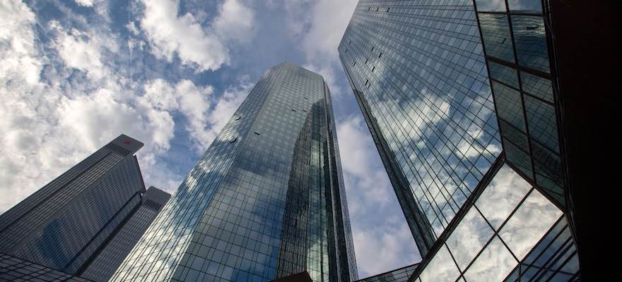 Frankfurt Waiving Strict Labor Laws for Prospective Lenders Leaving UK