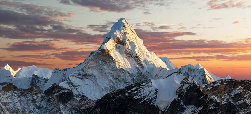 Cryptocurrency Stunt Leaves Sherpa Dead on Mount Everest