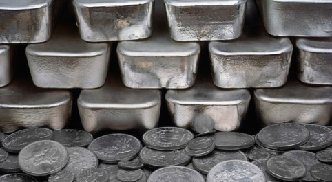 Silver Futures at the Crossroads