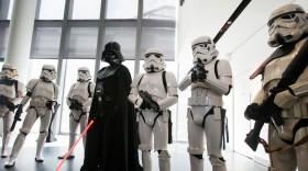NYSE: DIS, Disney star wars, binary options trading, single stock trading