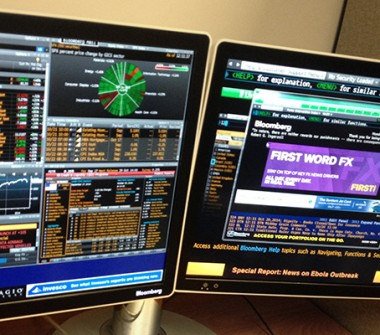 Bloomberg_Terminal_and_keyboard (1)